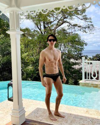 Enjoy the view everyone🙃🌴#dmitrysholokhov #travelling #photography #beachlife #tropical #style #versace #art #design #villa #pool fashion #designer